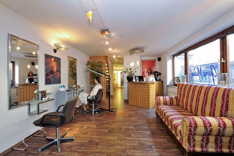 George Michael Studio. Ihr Friseur in Landshut